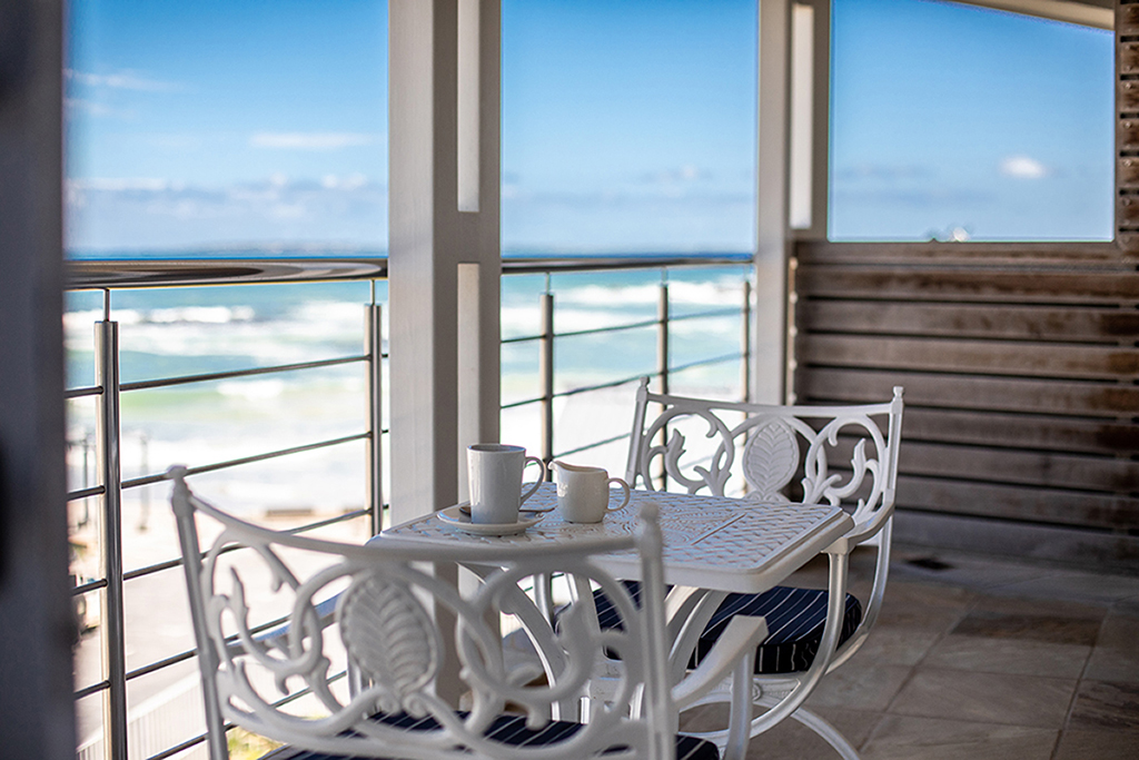 sea facing rooms blouberg